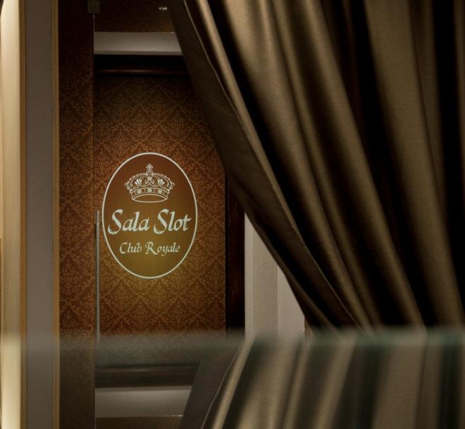 Salaslot5